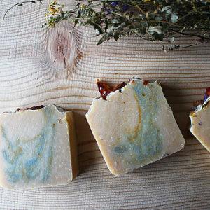 Кремовое мыло Йогурт   из козьего молока и весеннее цветение Ayurvedic Soap Laura Forest