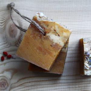 Шампуневое мыло Калина, мёд, лимонграсс Ayurvedic Soap Laura Forest