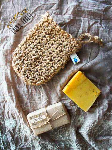 Рукавичка из льна для сухого массажа Ayurvedic Soap Laura Forest